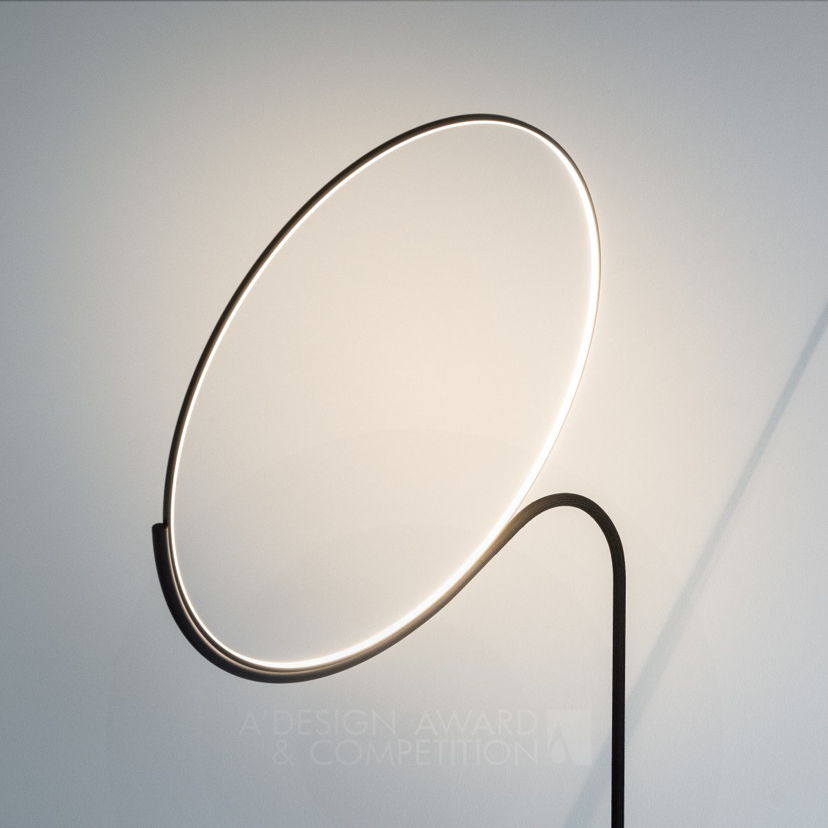 Cling Floor Lamp