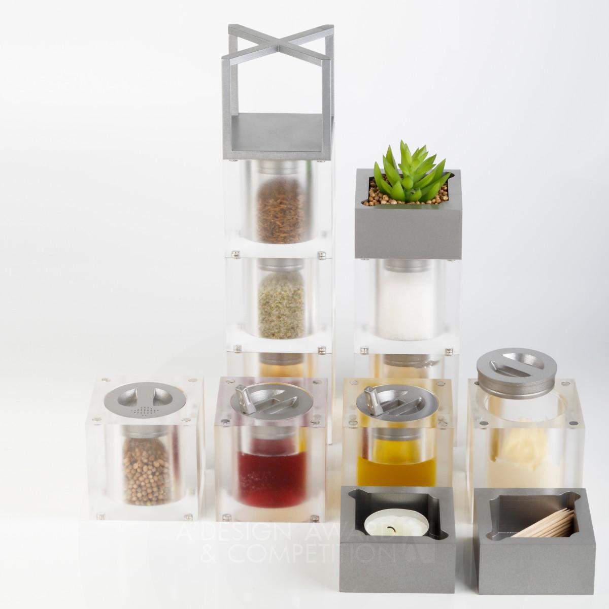Saladice Condiment container