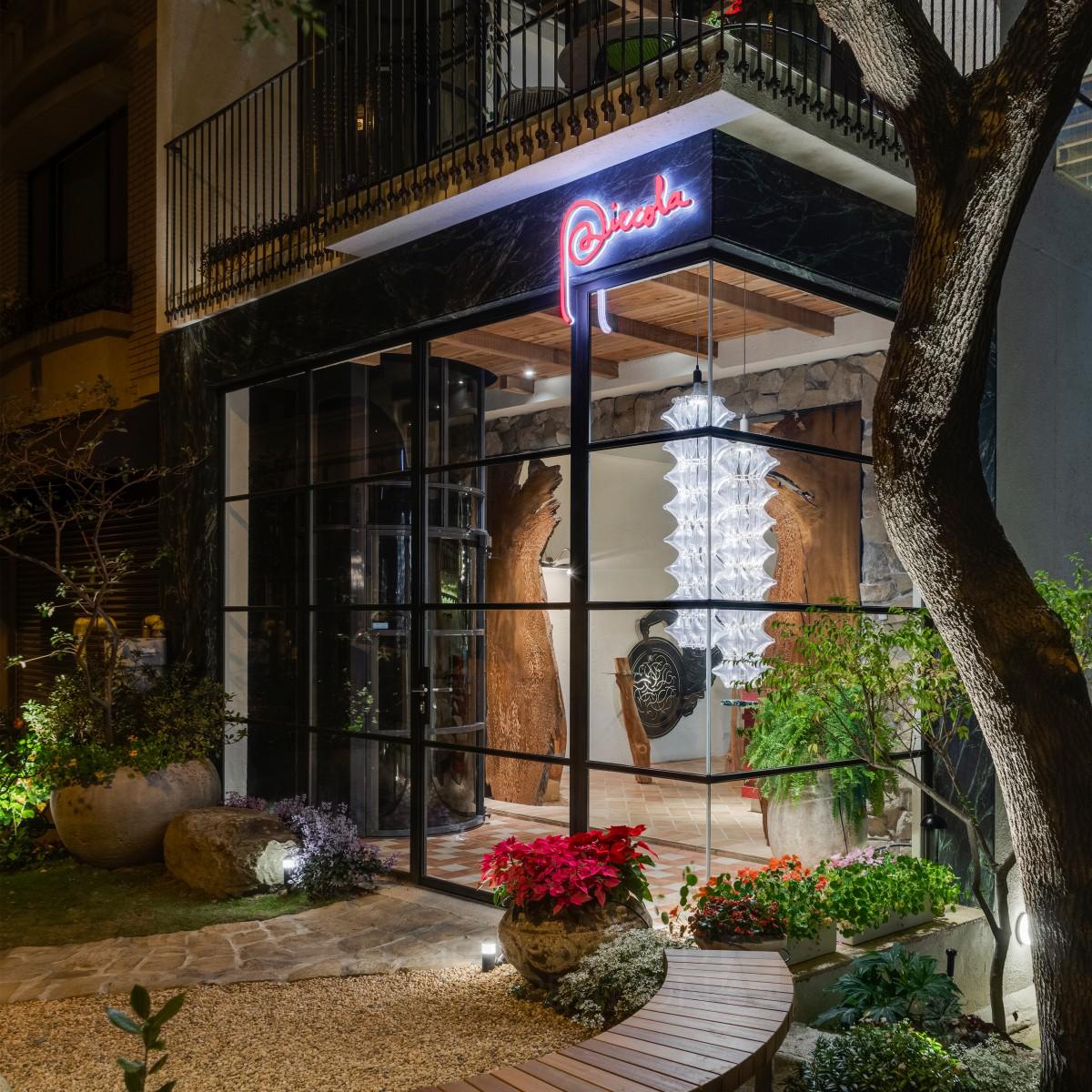Piccola Enoteca Restaurant