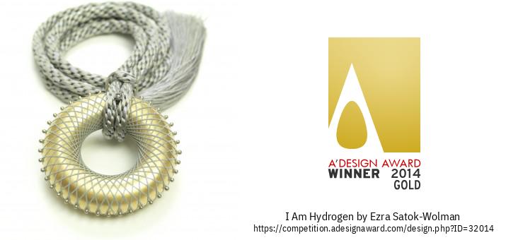 I Am Hydrogen Зүүлт, Энгэр