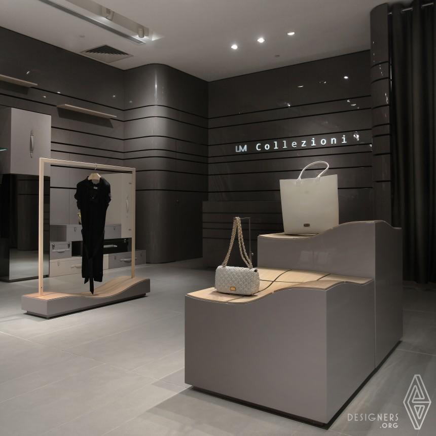 UM Collezioni Female Top Fashion Multi- brand Store