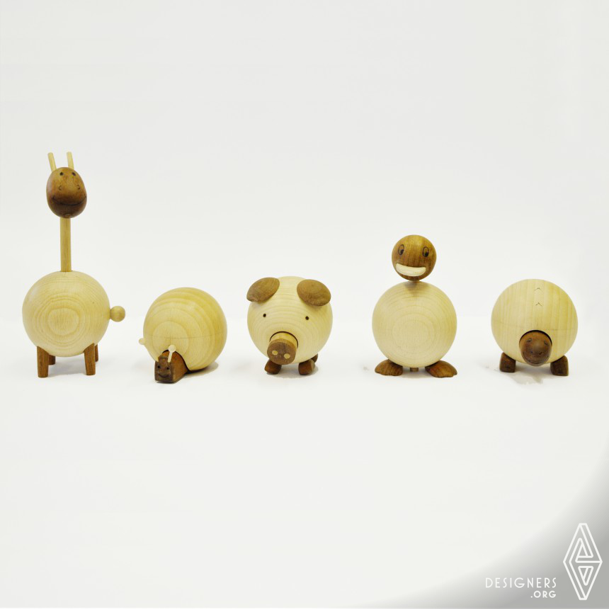 Movable wooden animals Toy