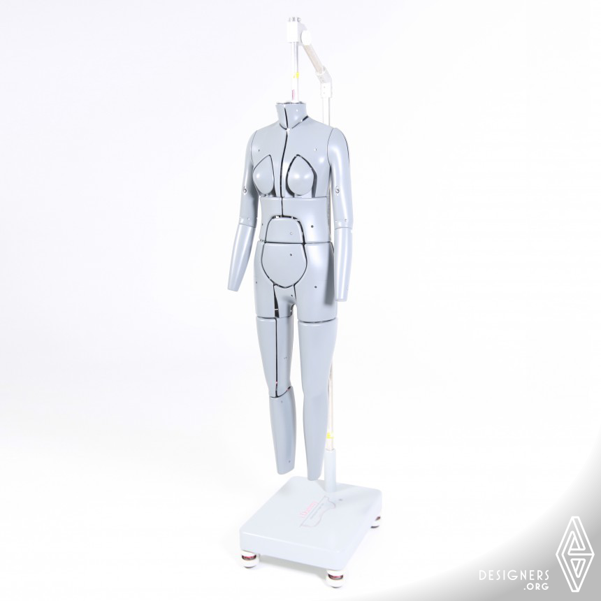 i.Dummy Part III: The ManniQueen Innovative Fitting Mannequin