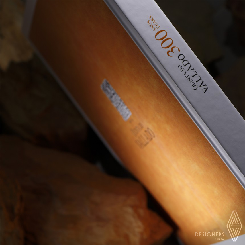 300 Years in the heart of the Douro Book Image