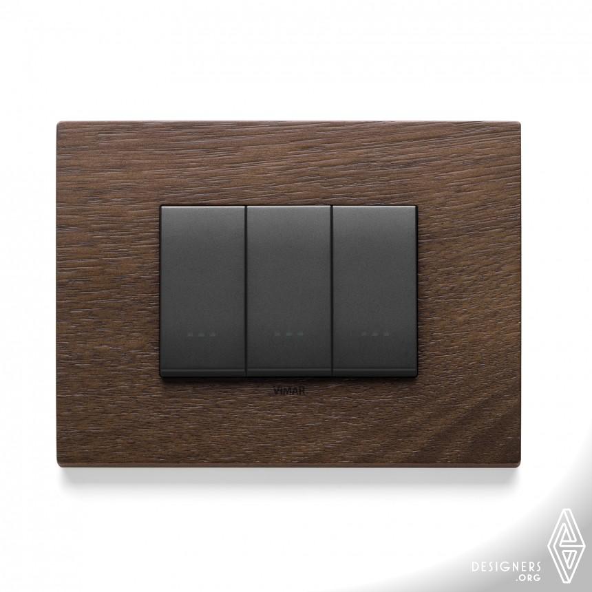 Eikon Exe Wiring Devices Image