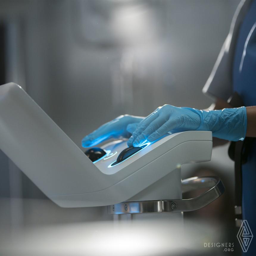 Ion Endoluminal System Robotic Platform/Minimally Invasive Care Image