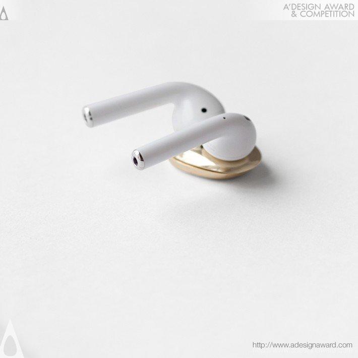 Erling Enn (Keeps Wireless Earphones in Place Design)
