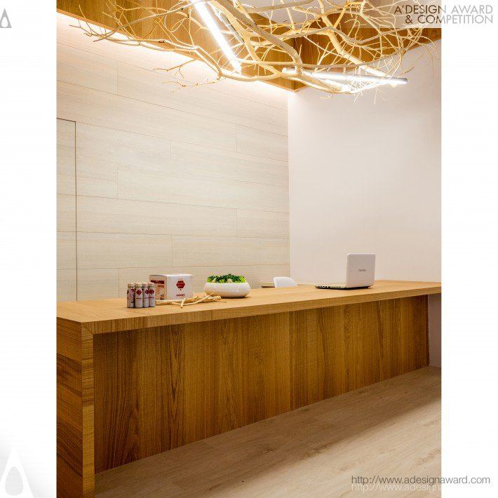 Mei Shih De Dietary Supplement Store Space by Chih-Ching Chen