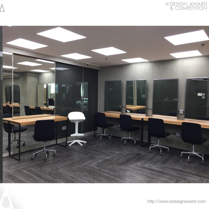 Makeup Academy and Studio by NowHere® Design Limited