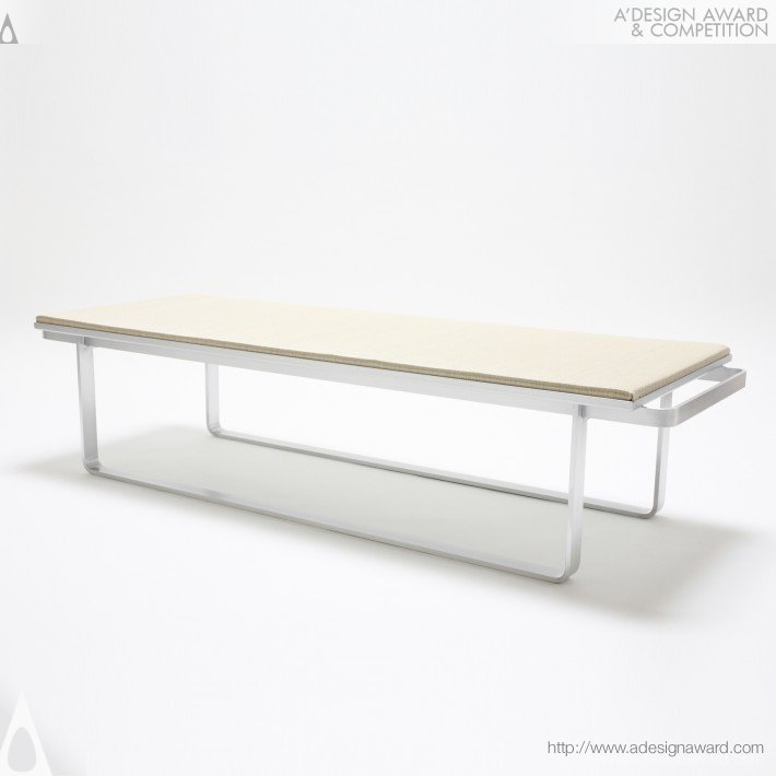 CRITIBA - Row Bench