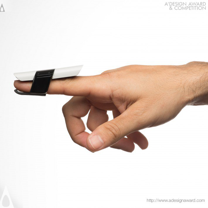 Bird Wearable Input Device by Prime.total product design