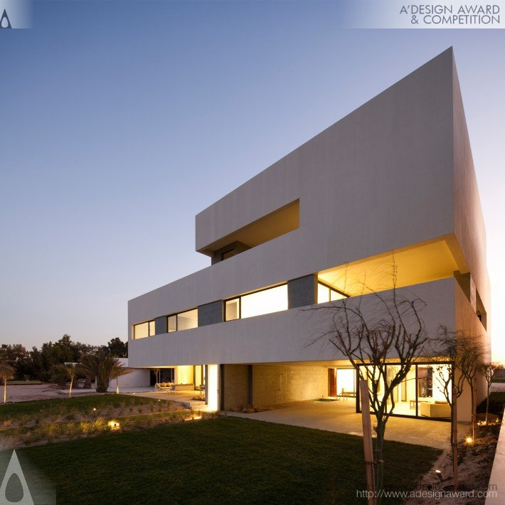 A 39 design award and competition s cube chalet beach for Beach house design competition