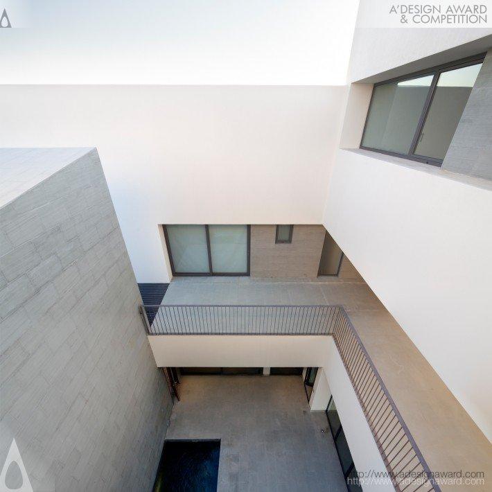 S-Cube Chalet (Beach House Design)