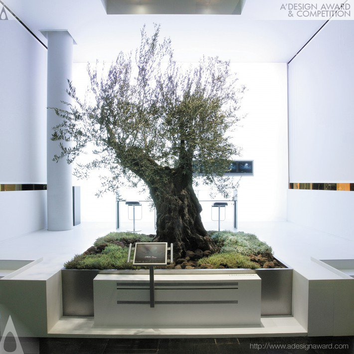 Olive Tree Booth by NICO UEBERHOLZ