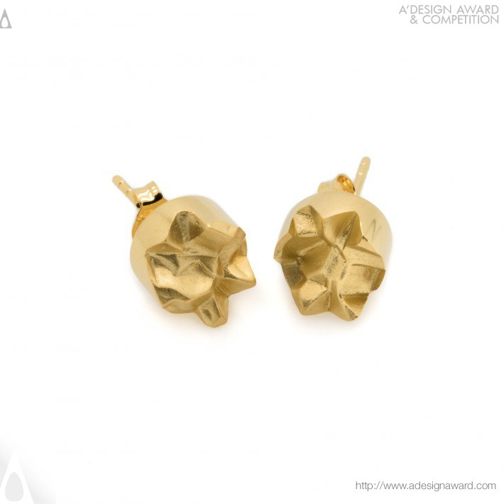 Ore 69 (Interlocking Stud Earrings Design)