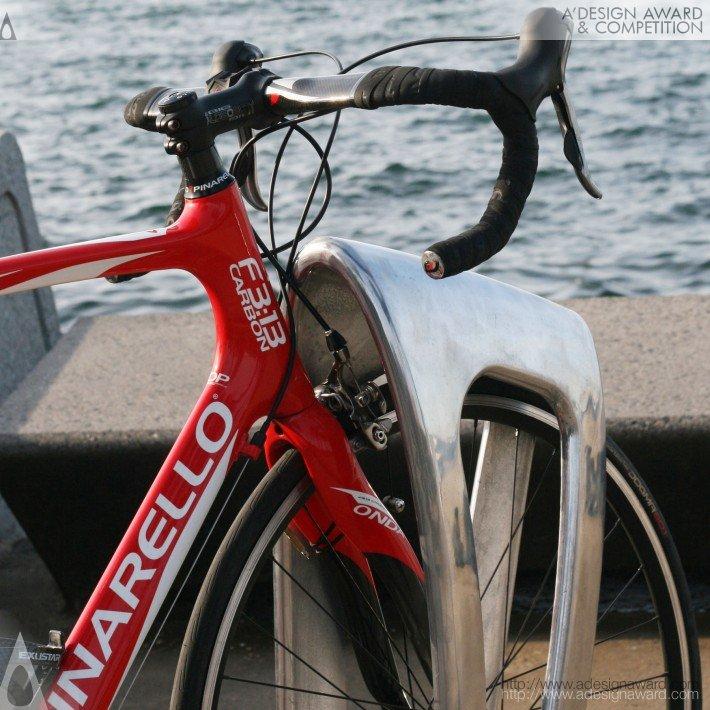 The Zephyr (Multifunctional Bike Storage Bollard Design)