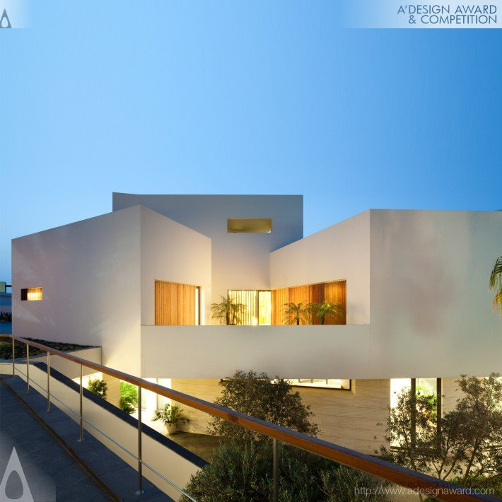 A 39 design award and competition star house beach house for Beach house design competition