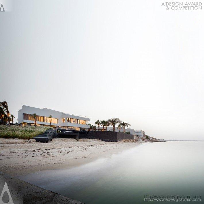 Beach House By AGi Architects