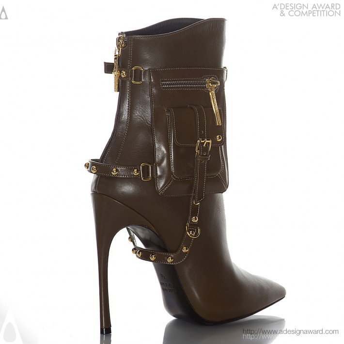 Pout (Boot Design)