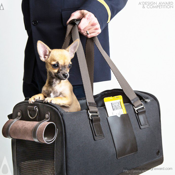 Cloud7 For Tumi (Dog Flight Cabin Carrier Design)
