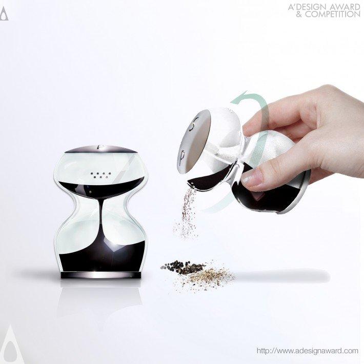 Endless Love (Salt & Pepper Shaker Design)