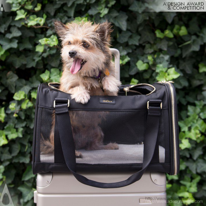 The Pet Carrier (Dog Bag Design)