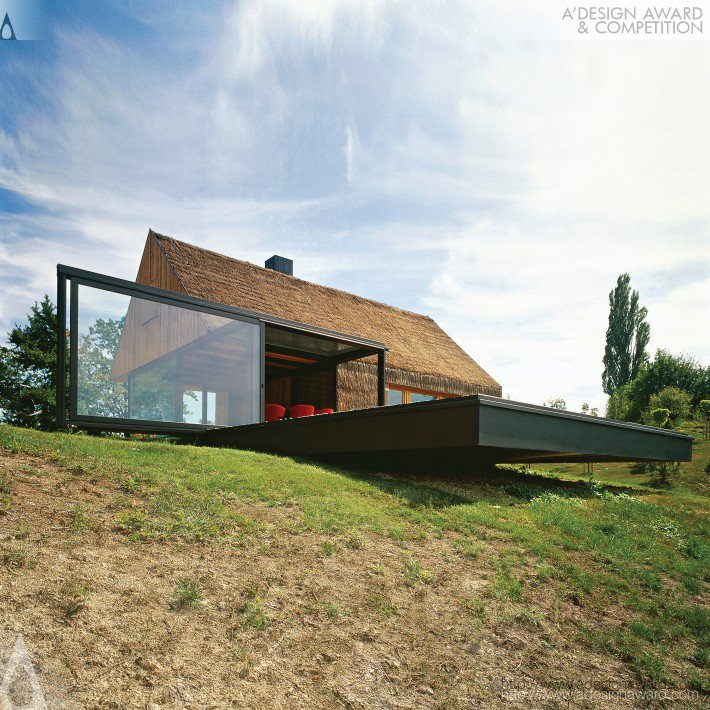 Hiza Contemporary Cottage Single Family