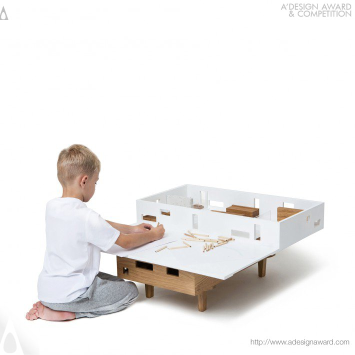 Olga Szymanska - Hus Coffee Table