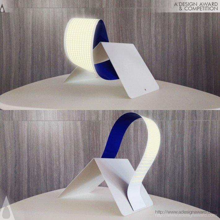 Spine (Environment Cleansing Lighting System Design)