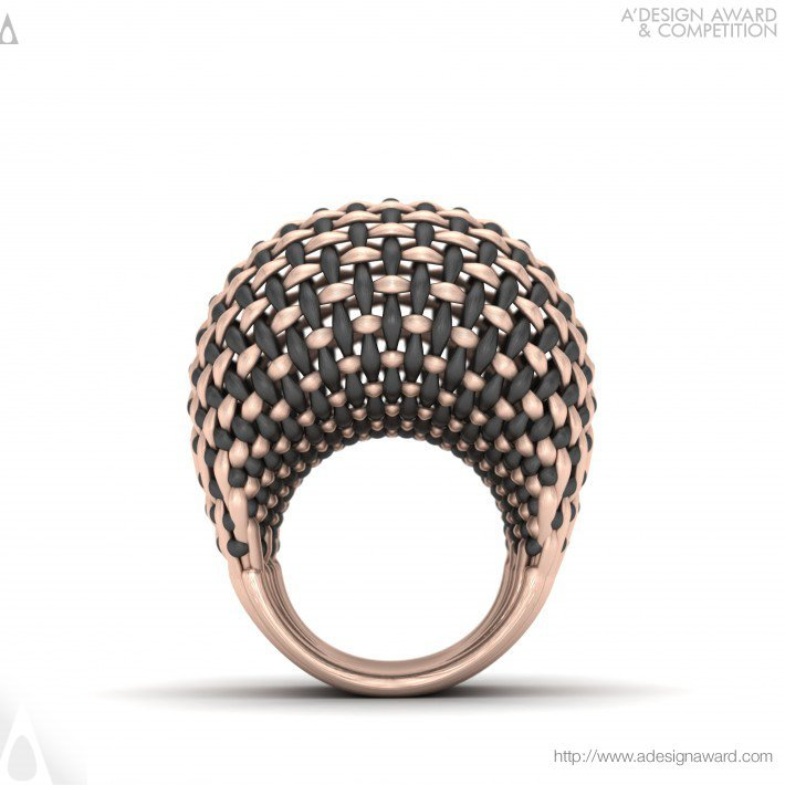 Interwoven Gold Ring by Seyed Mohammad Mortazavi