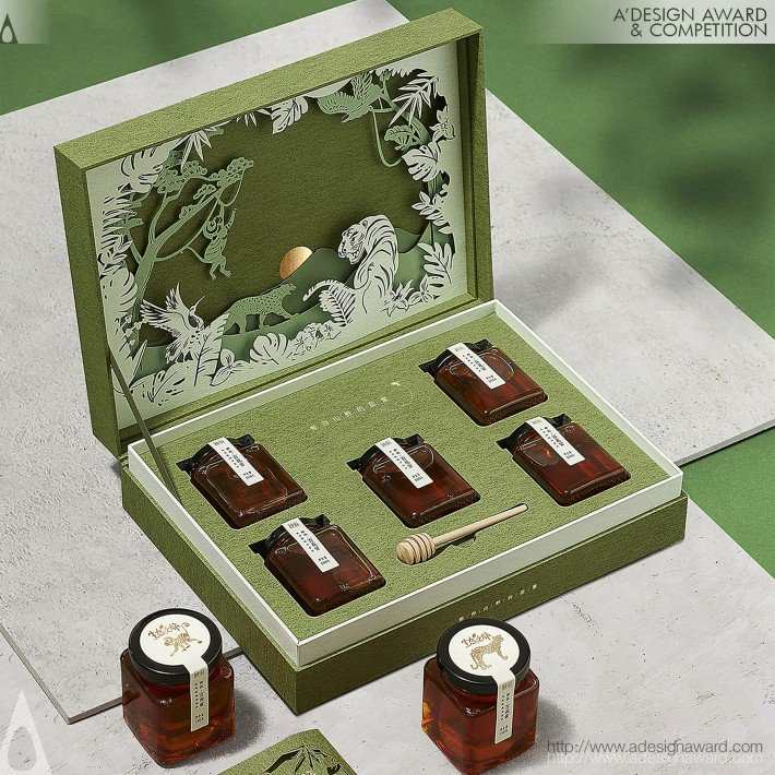 Ecological Journey Gift Box Honey by Pufine Advertising