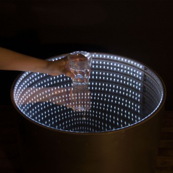 Infinitum infinity mirror table for Miroir winners