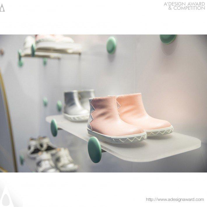 Flypony (Kids Shoes Flagship Concept Store Design)